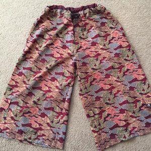 Om Gaia tree shorts